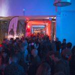 Nolich espacio rodaje plató reuniones coworking audiovisual industrial diseño neones