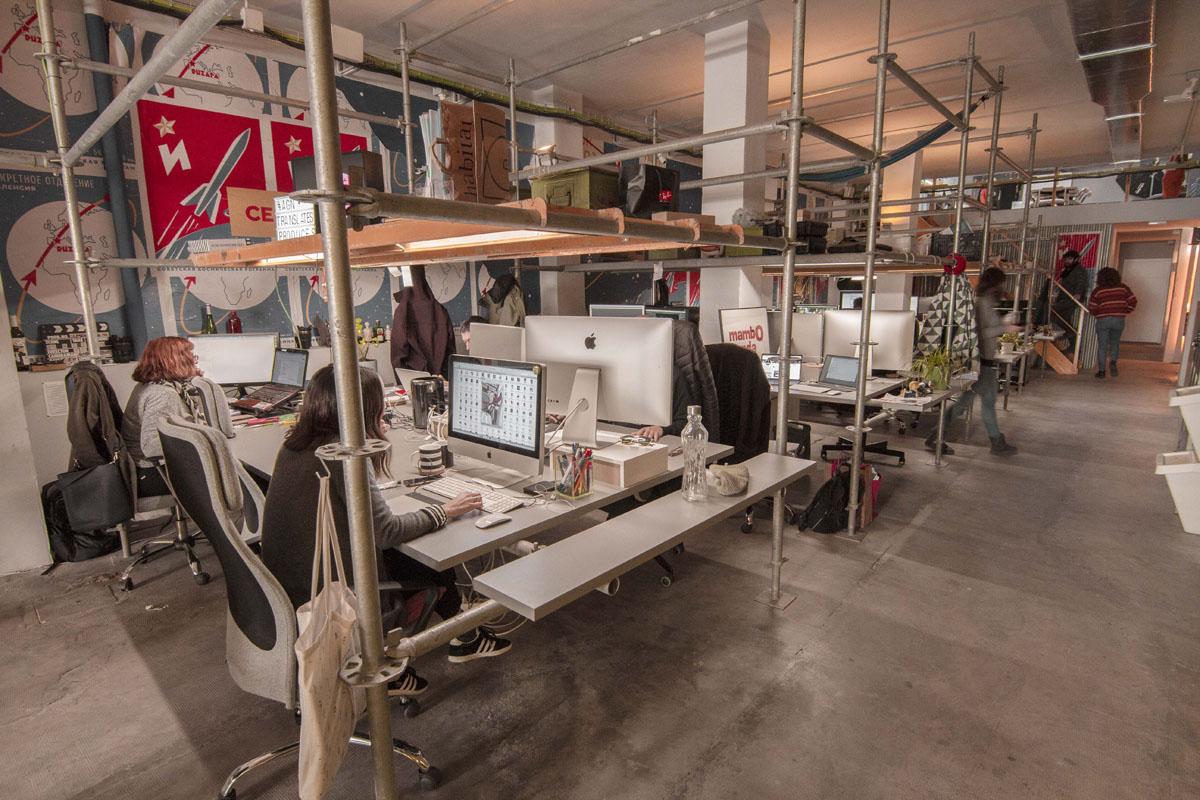 Espacio nolich coworking audiovisual industrial diseño nave rusa