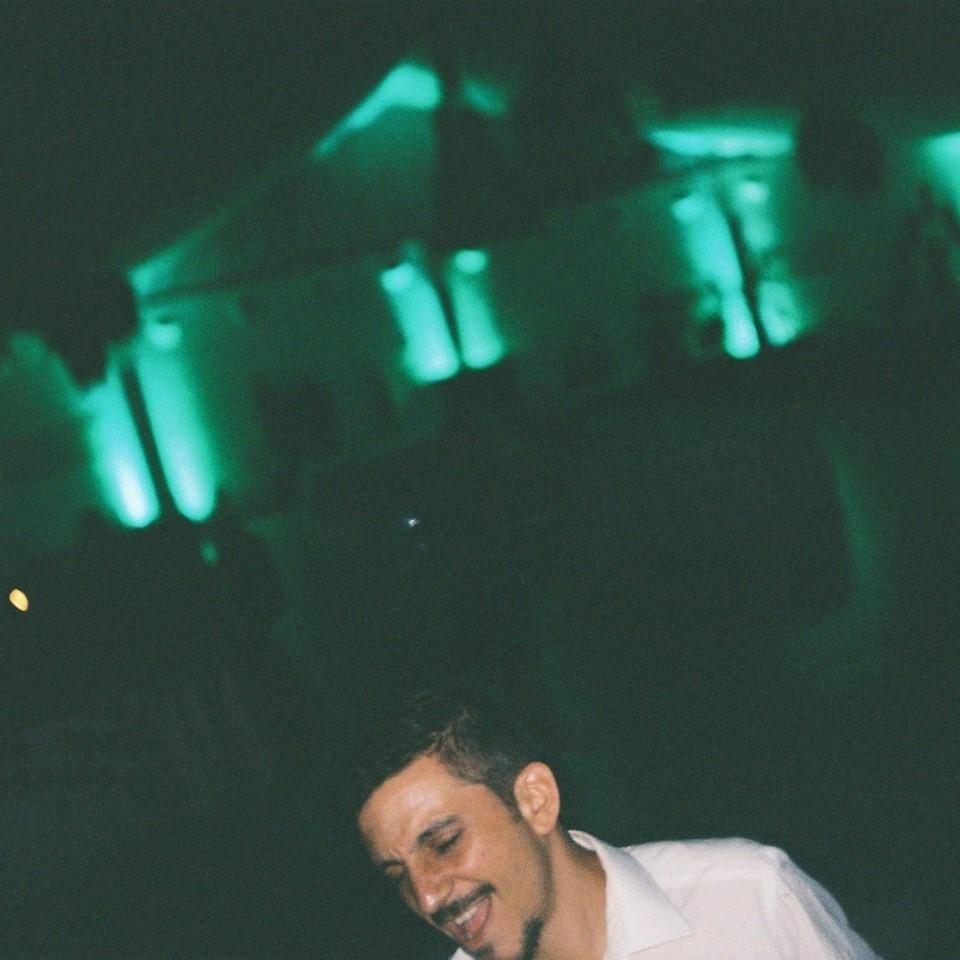 hombre luces disco psicodelia fotografía noche neon