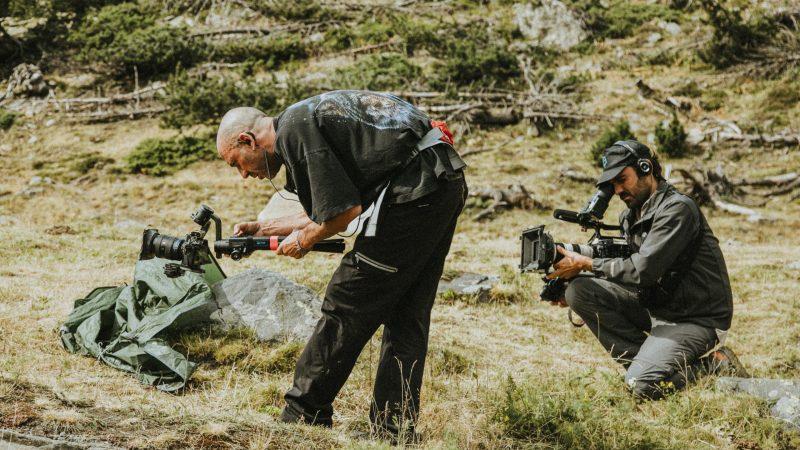 entre ovejas nolich rodaje montañas campo pastor pirineo aragones transhumancia tve
